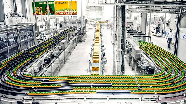Conveyor belt with PET bottles
